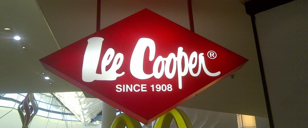 Lee cooper illuminated sign